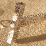 Kreuz in griechisches design
