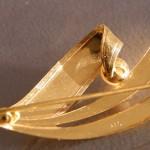 Goldbrosche 333 mit Perle
