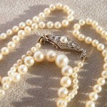 Perlenkette 49,5cm. 750 Goldverschluss mit Diamanten